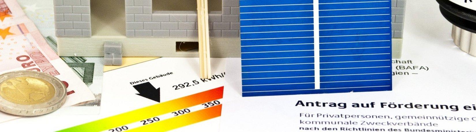 Symbolbild für die Planung einer Solaranlage (Foto: Fotolia_39678829 / Stockwerk Fotodesign)