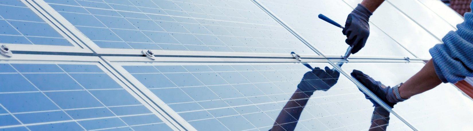 Solar Cluster Montage von Solarzellen